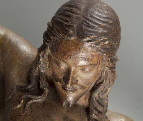 crucifijo hecho por miguel angel