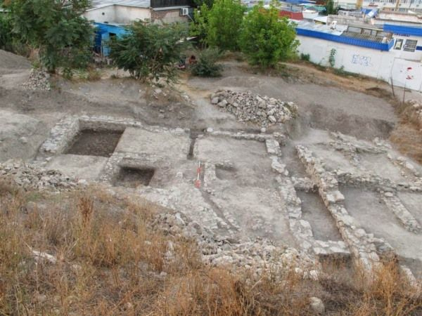 tumba general romano crimea