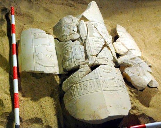 Cartuchos que evidenciarían un co-reinado entre Akenatón y su padre.