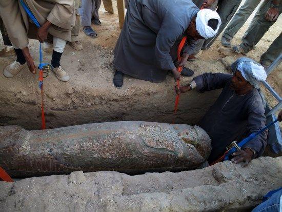 encuentro del sarcofago rishi