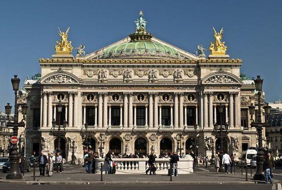 Fachada de la Ópera Garnier de París, 1875
