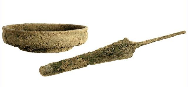 daga u cuenco de bronce cannaneo