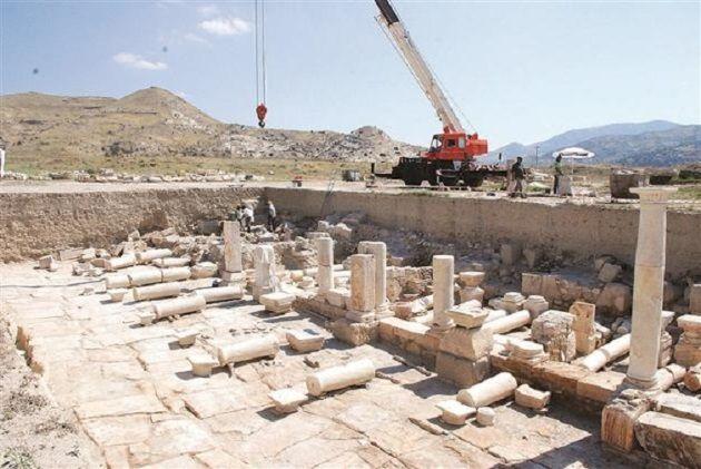 Graneros romanos hallados en Trípoli.