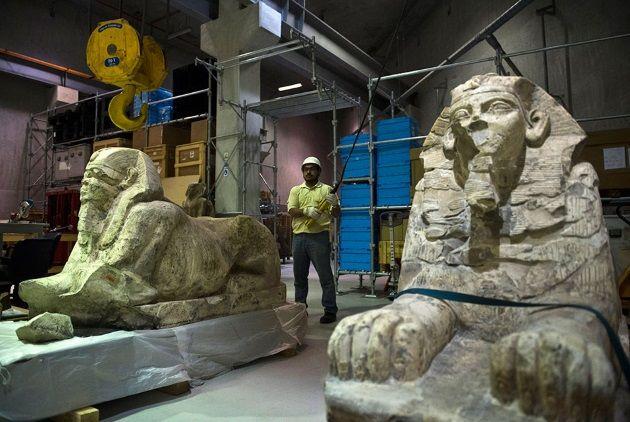 Expertos comienzan a preparar el traslado de objetos del Museo de El Cairo al nuevo, que estará abierto al público en el 2022. Crédito: Art Daily.
