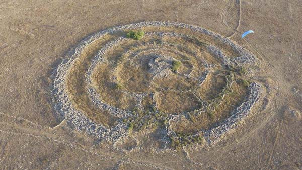 Construcción prehistórica hallada en Altos del Golán.
