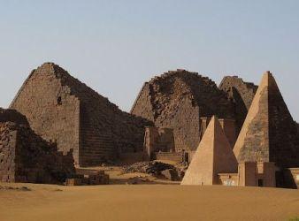 piramide de meroe