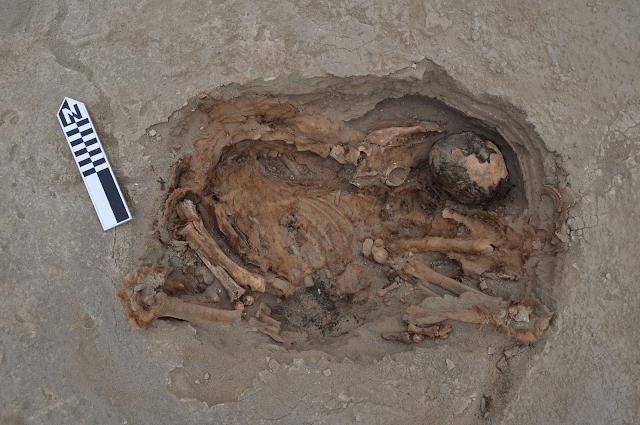 enterramiento de llama sobre cuerpo humano