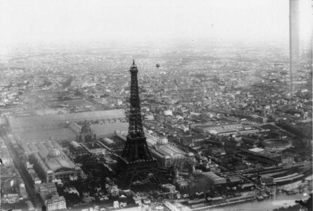 vista aerea torre eiffel y expo universal 1889