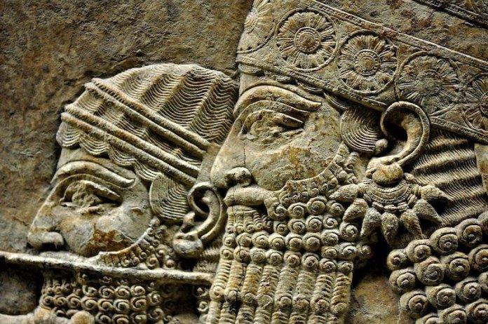 biografia asurbanipal rey asirio