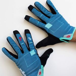 The Red Hook Criterium Milano No.7 x Giro DND gloves Available at the race tomorrow in Milano and online next week design: @jonahbirns