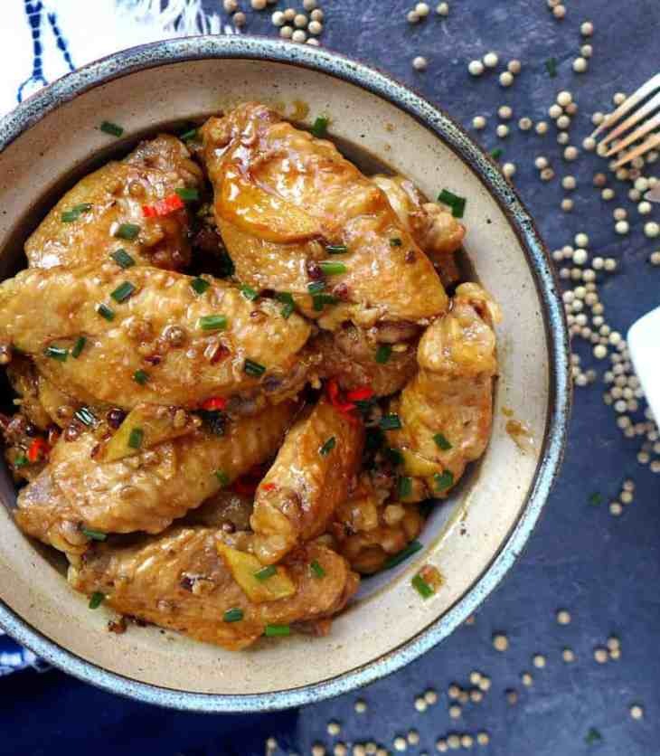 A simple way to prepare Chinese-style braised chicken wings. The use of whole white peppercorns makes this dish unusually aromatic.