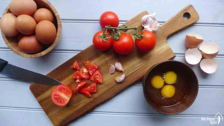 Only three common ingredients needed! Tomato and egg stir-fry is truly a national dish adored by every family in China. Only three common ingredients needed! Tomato and egg stir-fry is truly a national dish adored by every family in China.