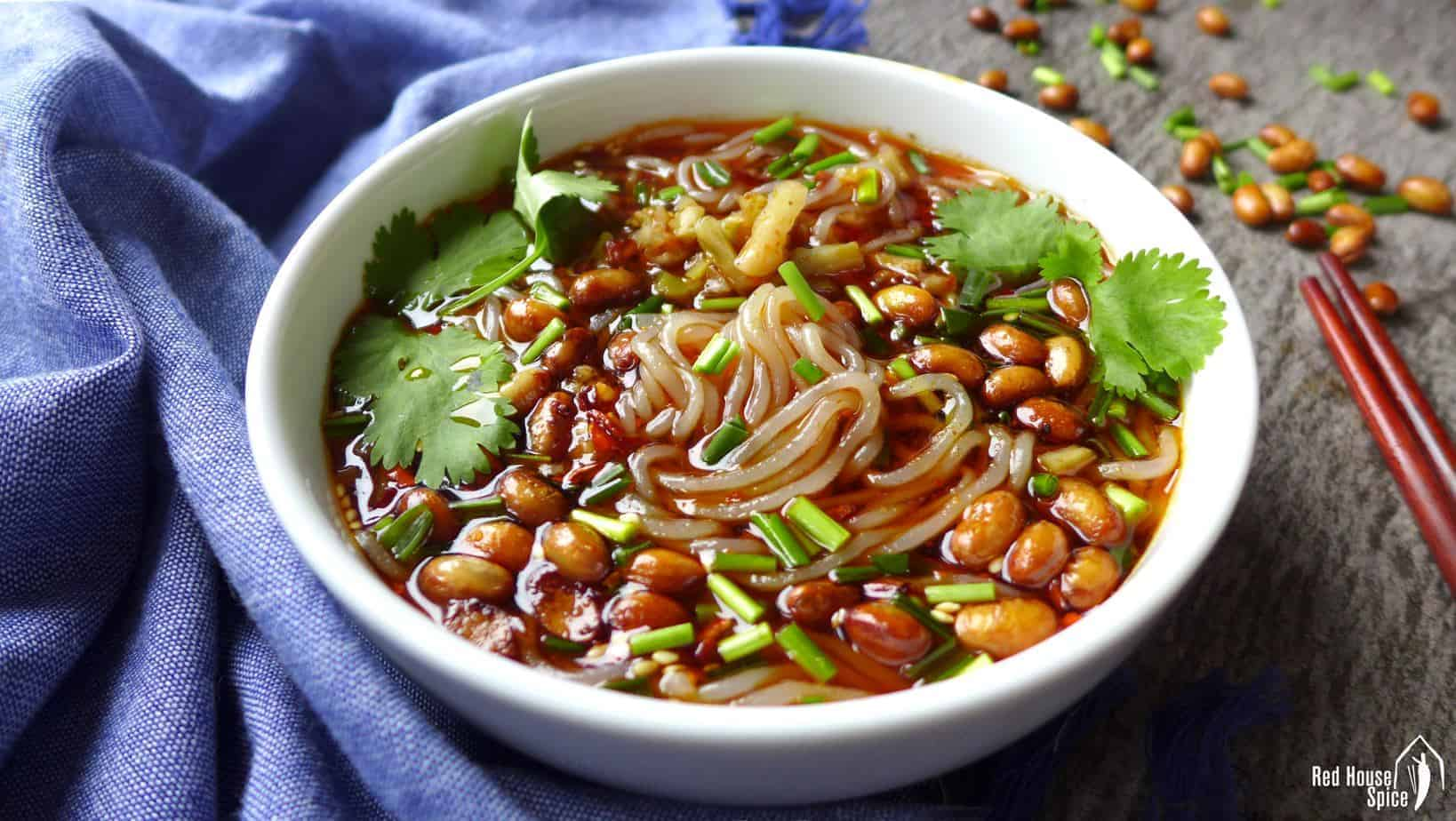 Hot and sour glass noodle soup (酸辣粉)