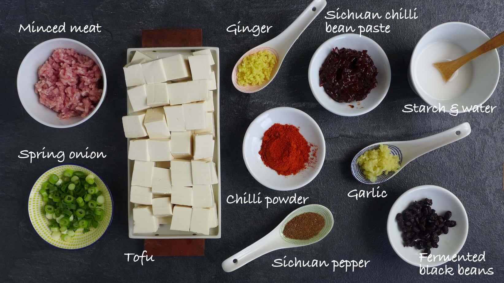 Un groupe d'ingrédients pour la cuisson du tofu mayo