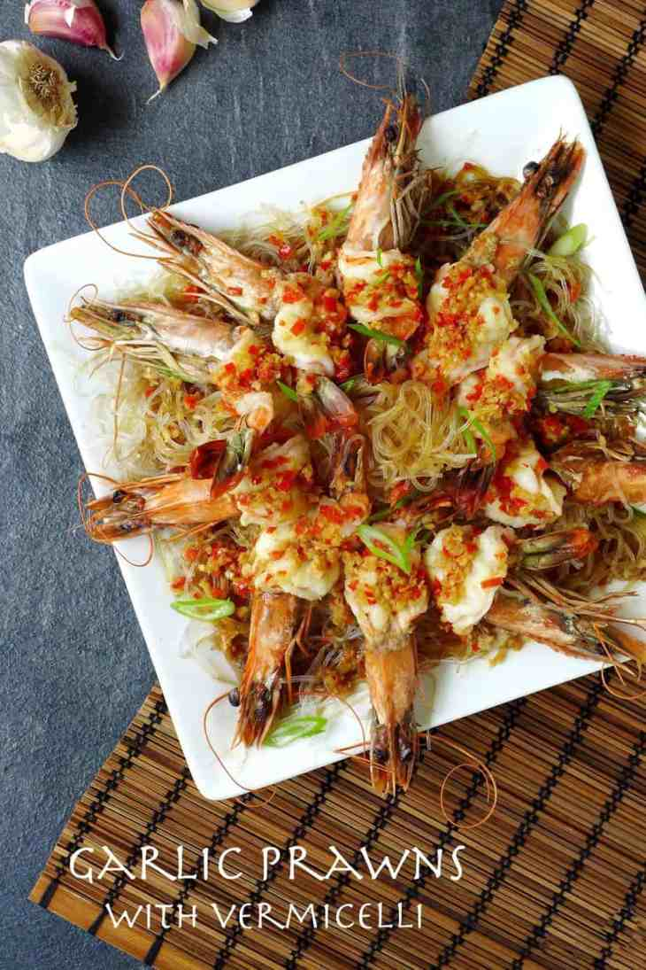 Steamed prawns seasoned with garlic on a bed of flavoursome vermicelli noodles.