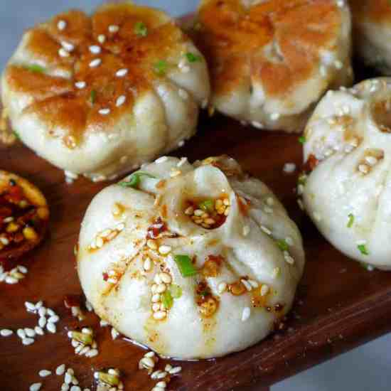 Shanghai pan-fried pork buns