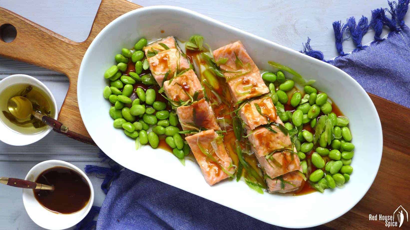 Steamed salmon with spring onion oil (葱油三文鱼)