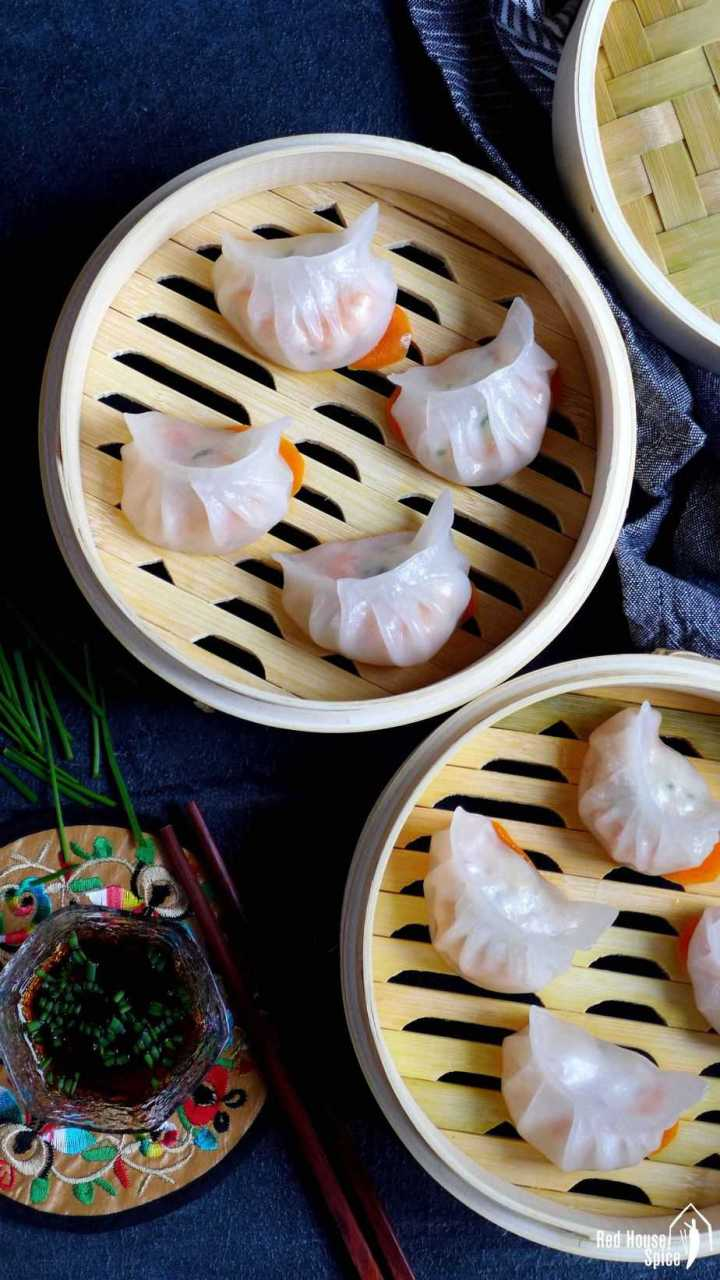 Har Gow, Crystal shrimp dumplings in steamer baskets