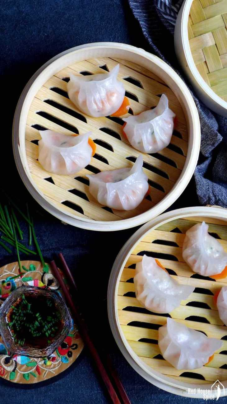 Juicy Filling Wrapped By A Translucent Skin Har Gow Prawn Dumplings Is A Pleasure Both On Your Palate And To Your Eyes Read My Detailed Recipe To Learn