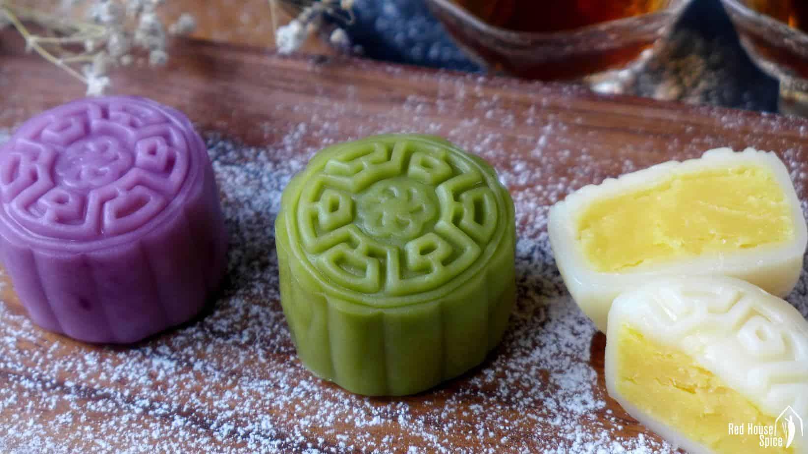 Snow skin mooncake with custard filling (冰皮月饼)