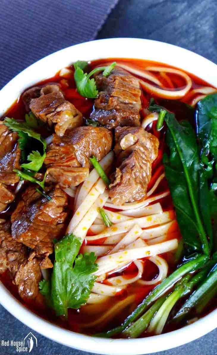 Spicy beef noodle soup (香辣牛肉面)
