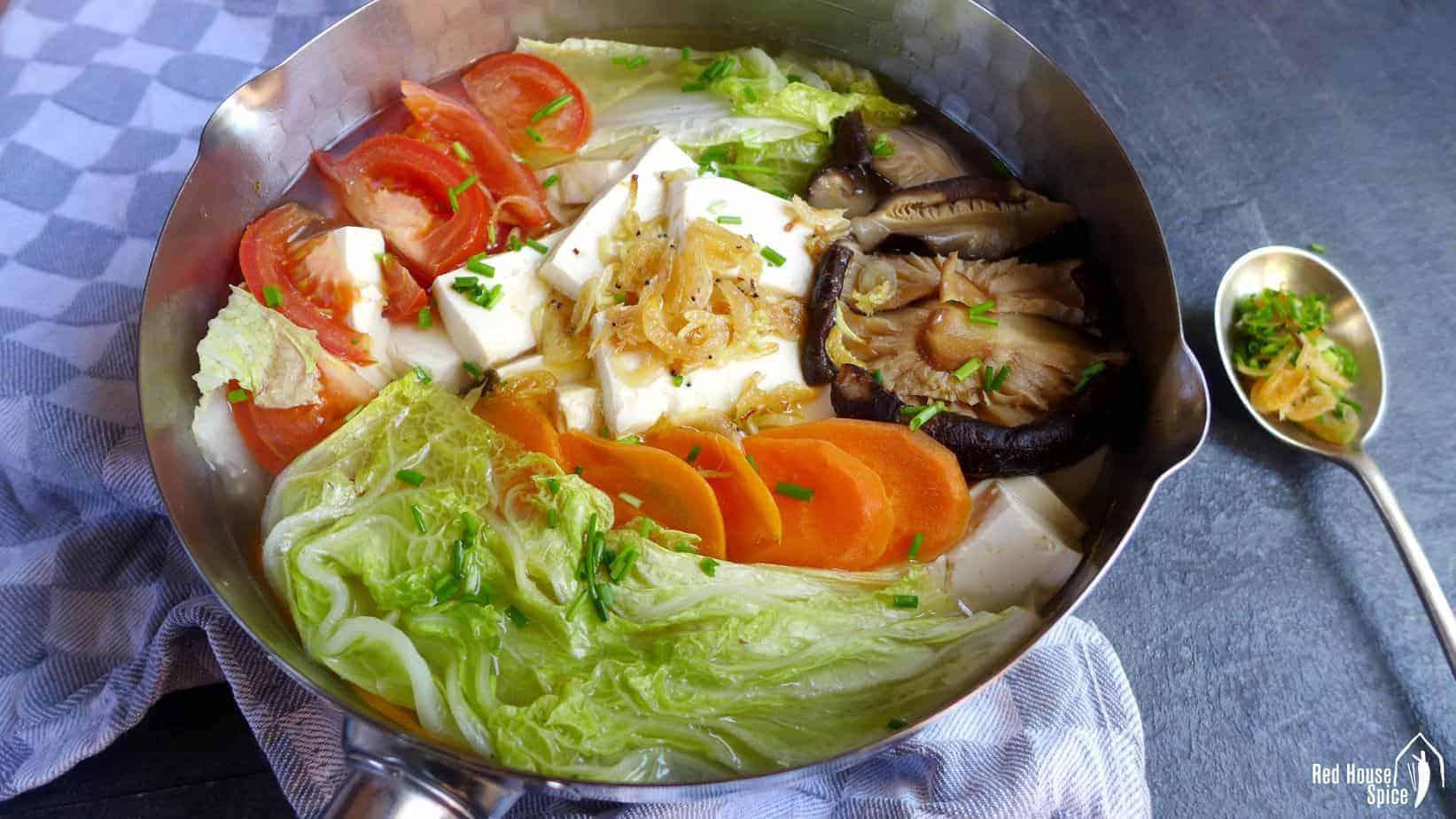 Tofu soup with dried shrimp (虾皮豆腐汤)