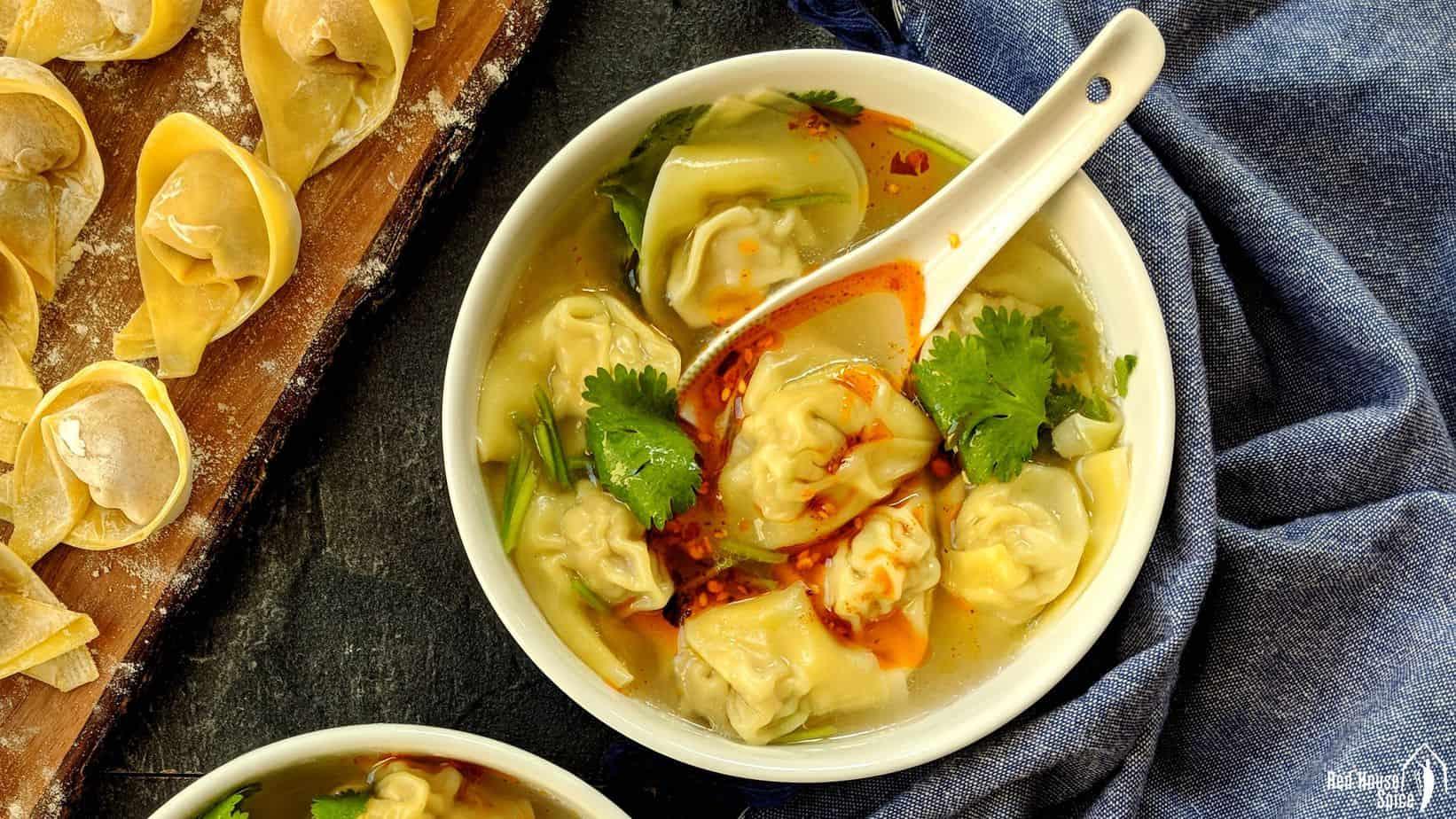 Pork wonton soup (猪肉馄饨)