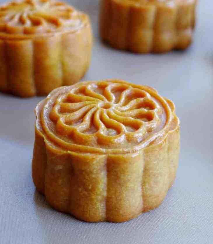 Kansui cantonese mooncake