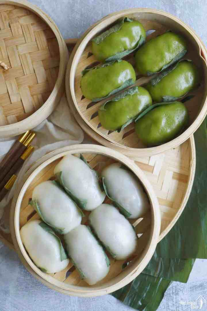 Sichuan sticky rice cakes in bamboo baskets