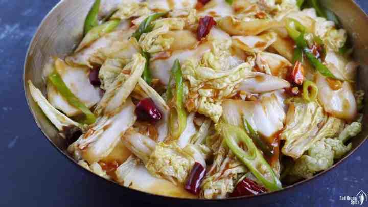 Napa cabbage stir-dried with chili & vinegar