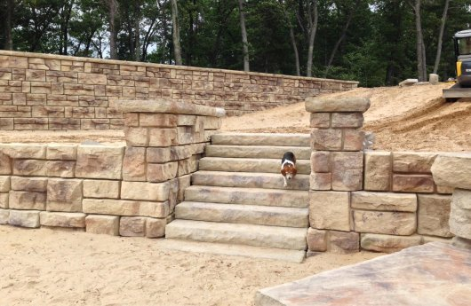 Redi-Rock_Ledgstone_retaining_walls_columns_and_stairs_to_beach