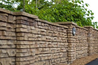 Redi-Scapes_freestanding_natural_stone_wall_fence_2