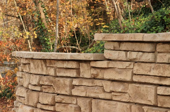 Redi-Scapes hardscape McKinley texture retaining walls