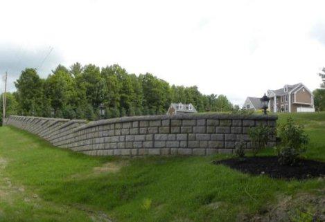 Redi-Rock freestanding radious wall roadside