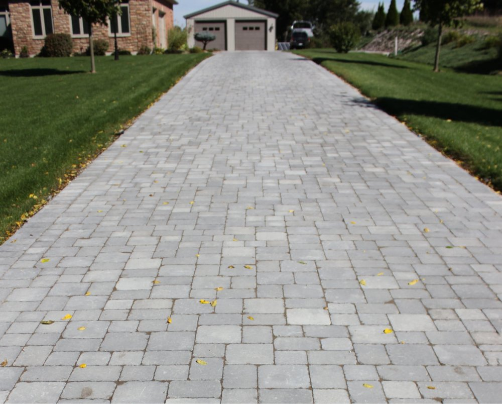 Colonial_Paver_Brown_Signature_Hardscape