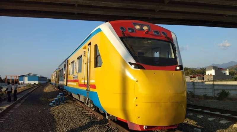 kereta api Trans Sulawesi