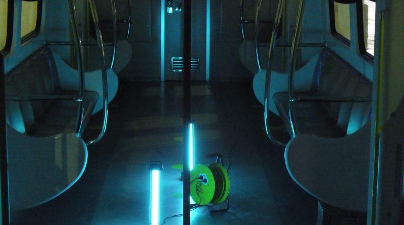 Melihat Proses Sterilisasi Kereta Dengan Sinar UV di LRT Jakarta