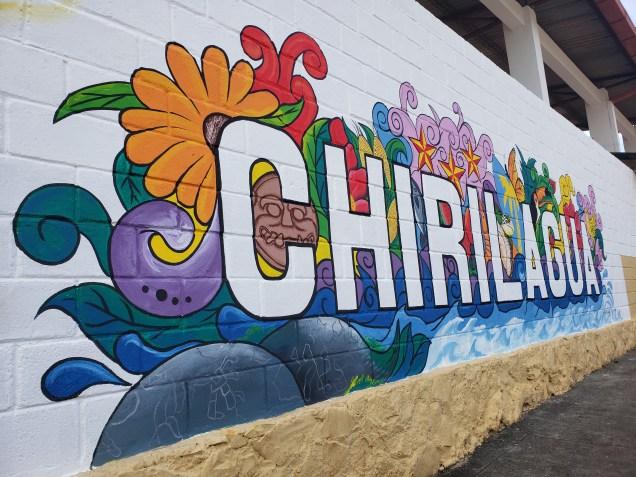 Mural en casa comunal