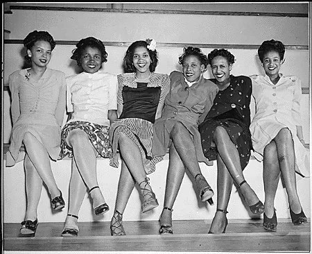 """""""Pin-up girls at NAS Seattle, Spring Formal Dance. Left to right: Jeanne McIver, Harriet Berry, Muriel Alberti, Nancy Grant, Maleina Bagley, and Matti Ethridge."""" (NAID 520646)"""
