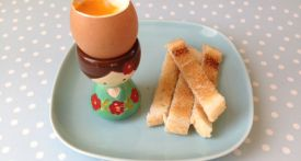 boiled egg and soldiers, how to boil and egg, soft boiled egg, soft boiled egg minutes