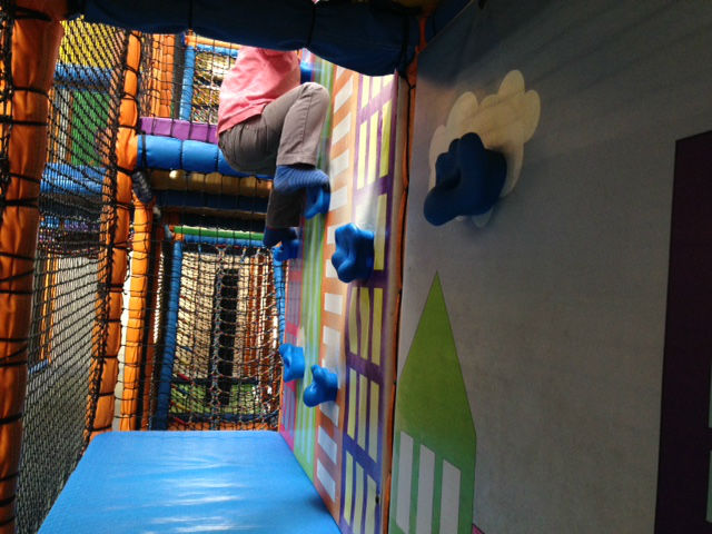 kids n action, soft play reading, soft play winnersh, indoor playcentre, berkshire soft play, kids n action soft play, soft play centre, dressing up soft play centre