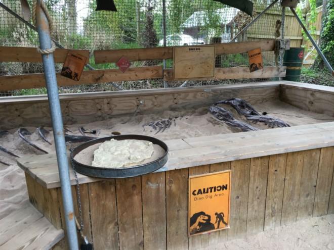 west midland safari park review, safari parks kids, dinosaur