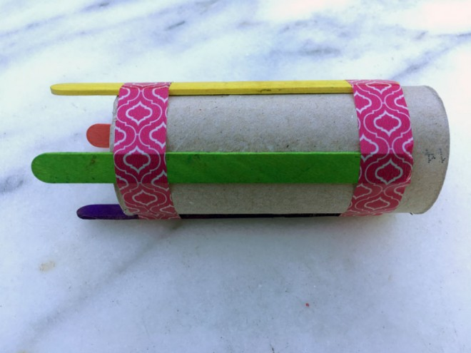 how to make french knitting nancy, homemade tomboy stitch, french knitting toilet roll lollipop stick, tomboy popsicle stick toilet roll, cardboard tube french knitting, yarn craft projects for kids