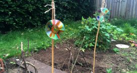 kids garden craft, cd bird scarer, cd scarecrow, homemade scarecrow
