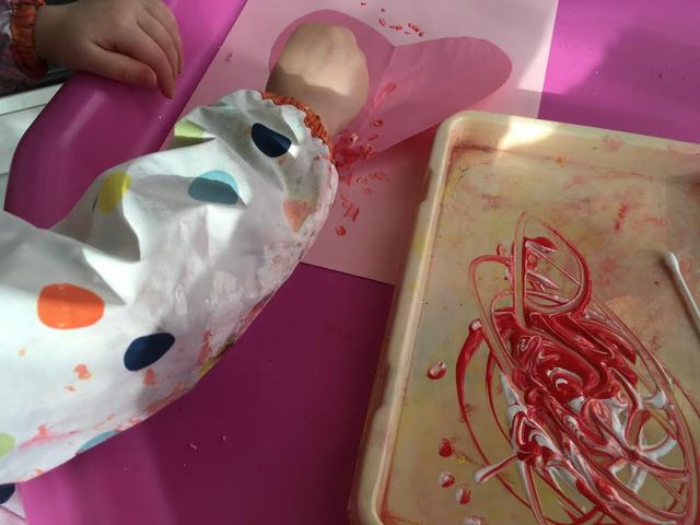 toddler valentine craft, toddler valentine heart, heart painting