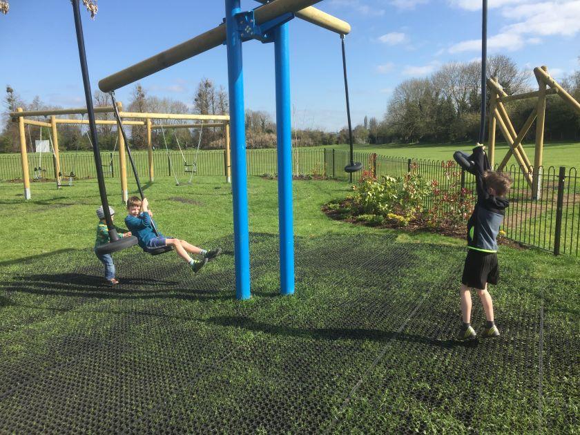 crowmarsh play park, crowmarsh recreation ground, crowmarsh gifford park