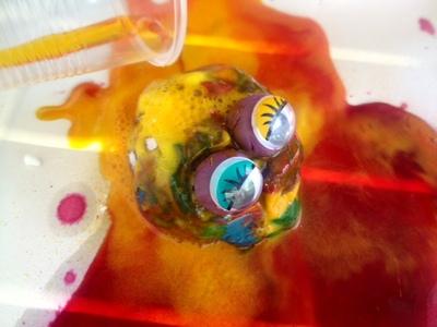baking soda vinegar experiment for kids, science experiments for kids, alien crafts kids