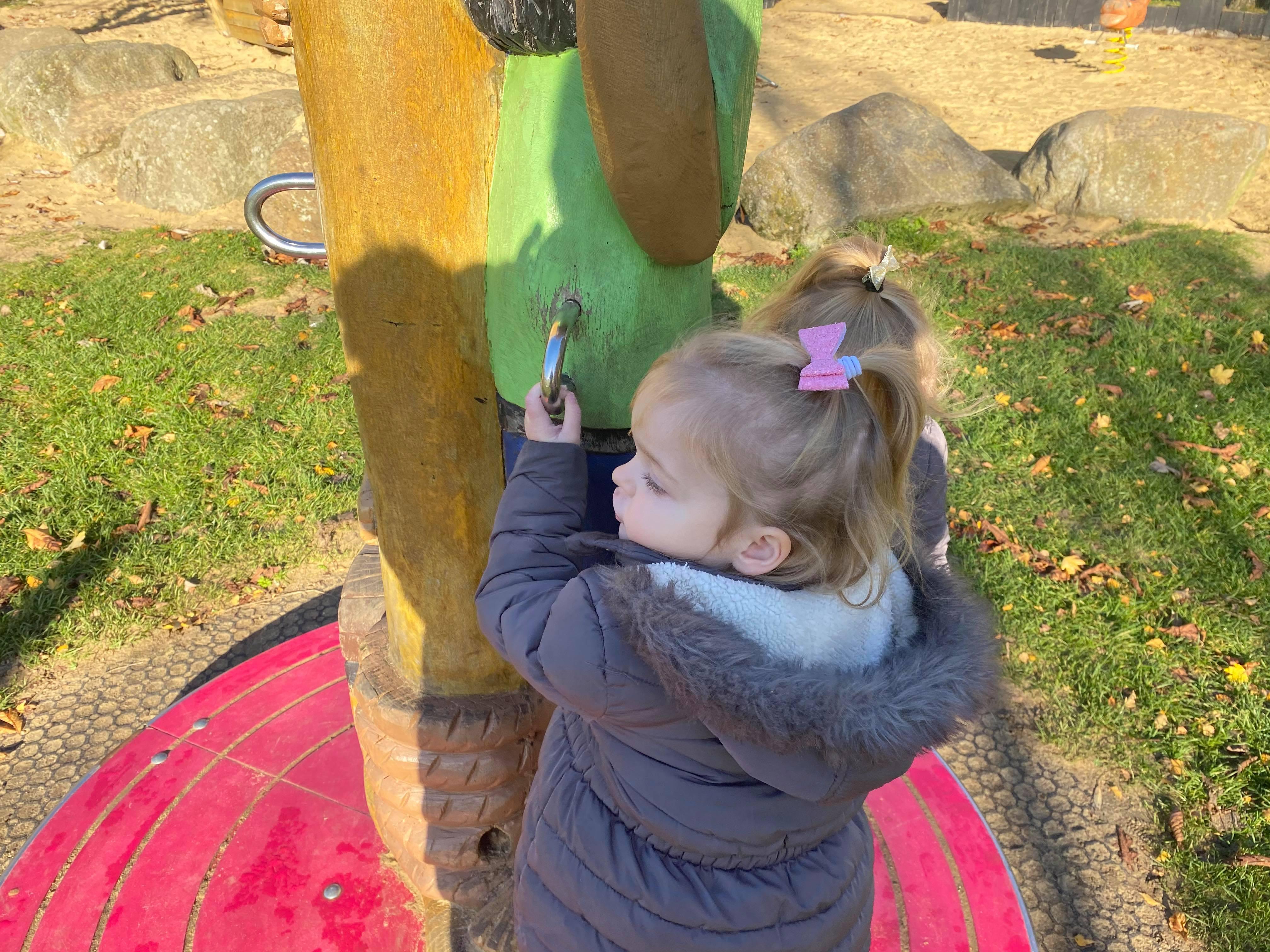 pirate park loughton milton keynes, milton keynes mum blogger, loughton play park milton keynes