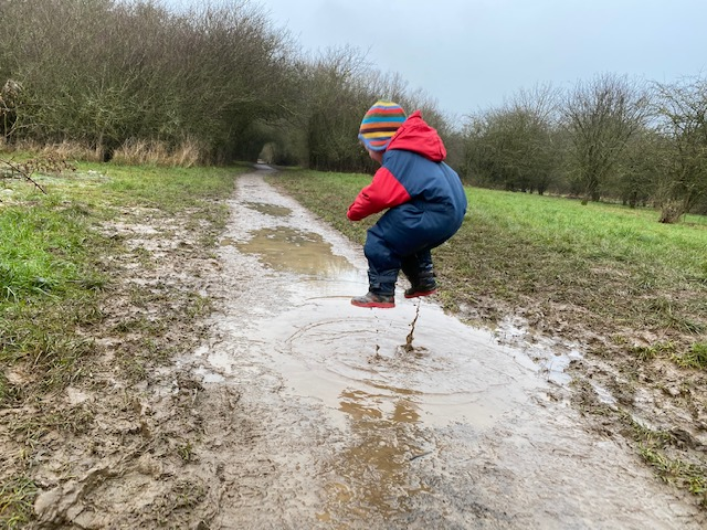 childrens wellies, childrens outdoor clothing, kids outdoor clothing, toddler outdoor clothing