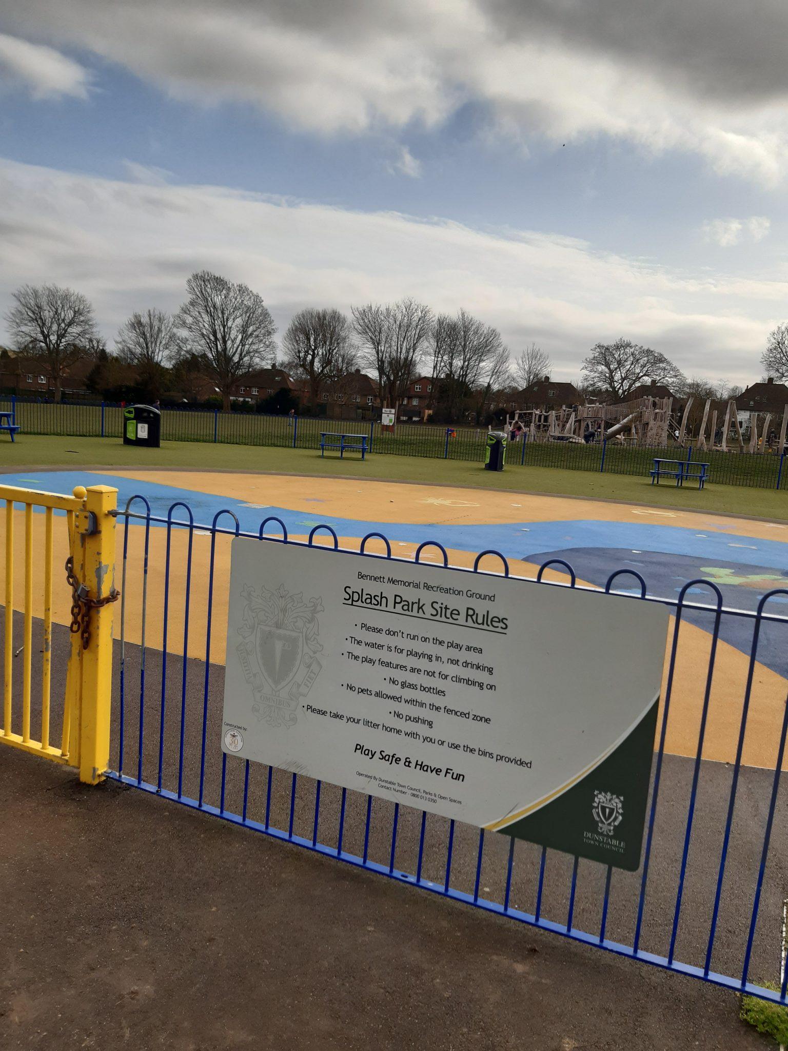 dunstable splash park, dunstable play park